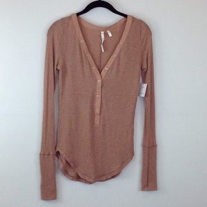 NWT Urban Outfitters tan long sleeve top size M